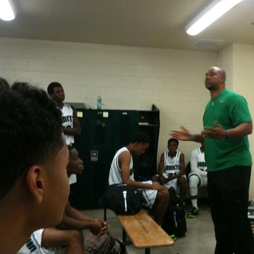 Lincoln High School - Boys' Varsity Basketball-NEW