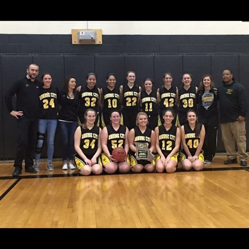Monroe City High School - Girls' Varsity Basketball