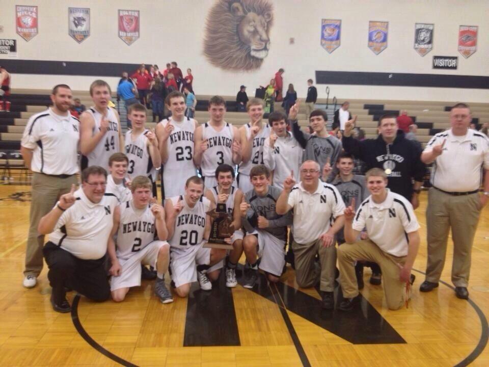 Newaygo High School - Boys Varsity Basketball