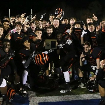 Tuckahoe High School - Boys Varsity Football