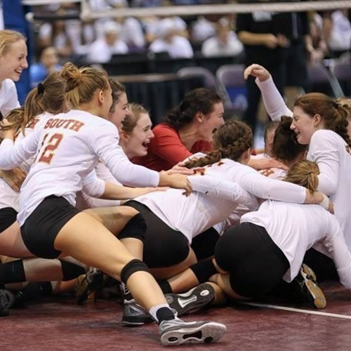 Lakeville South High School - Girls' Varsity Volleyball