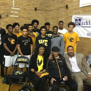 Louisville Central High School - Boys' Varsity Basketball