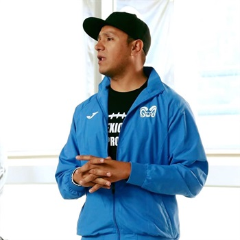 Coach Gustavo Tella
