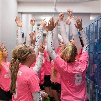 Esko High School - Girls' Varsity Volleyball