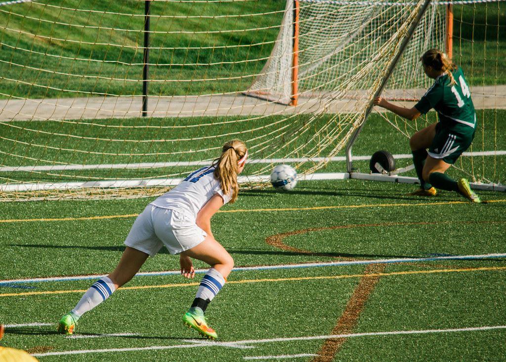 Leominster High School - 2017 Girls Varsity Soccer