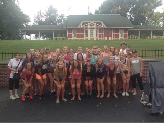 Bettendorf High School - Bettendorf Girls' Varsity Swimming & Diving