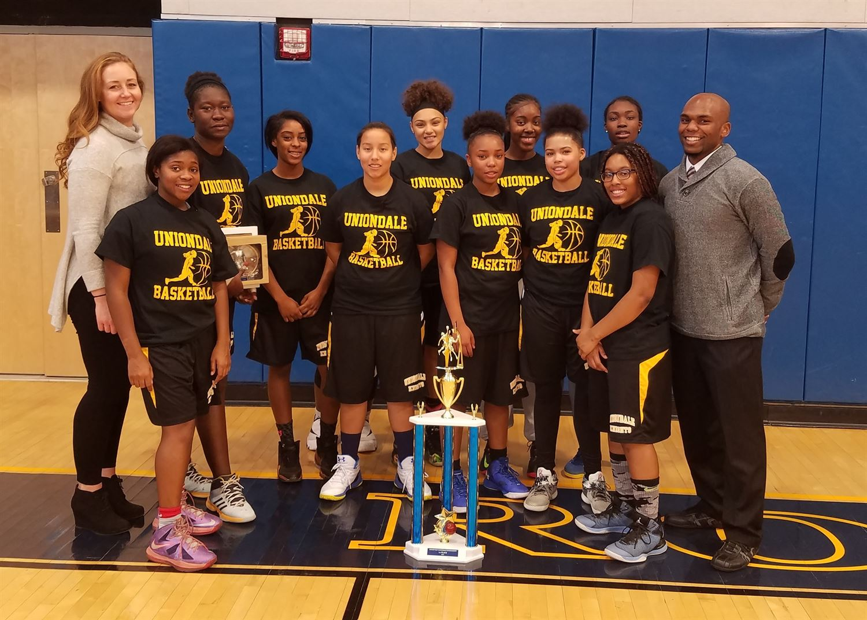 Uniondale High School - Uniondale Knights Girls Varsity Basketball