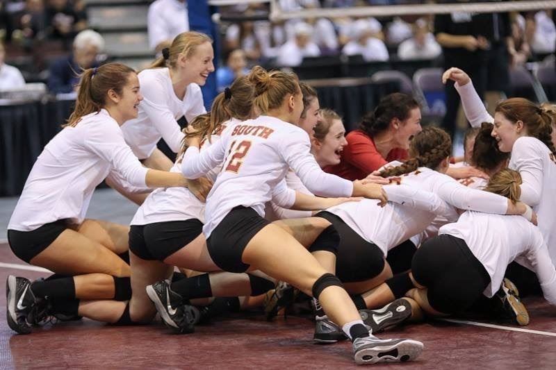 Lakeville South High School - Cougar Volleyball