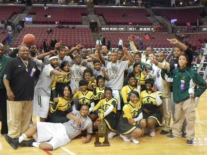 Taft High School - Boys' Varsity Basketball - 2015