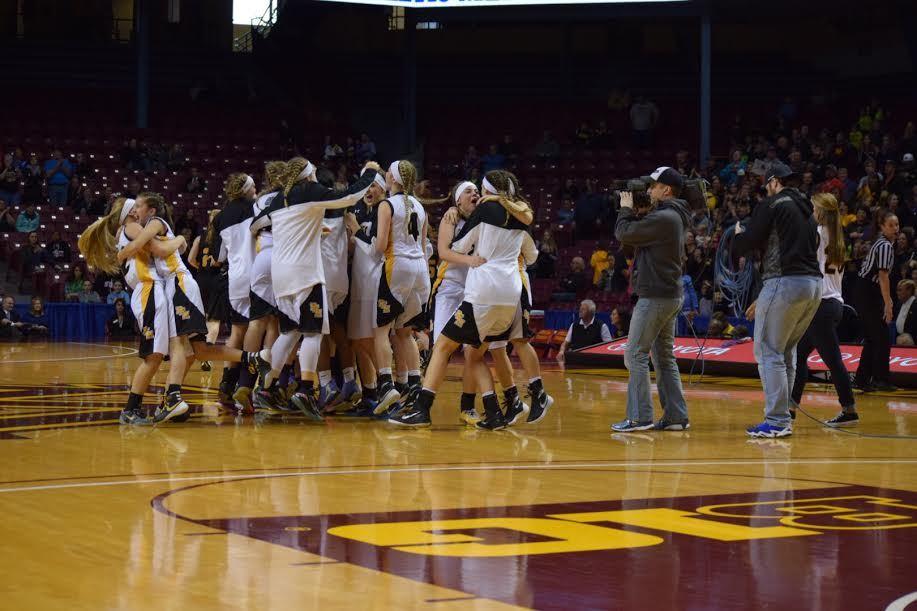 Plainview-Elgin-Millville High School - Girls Varsity Basketball