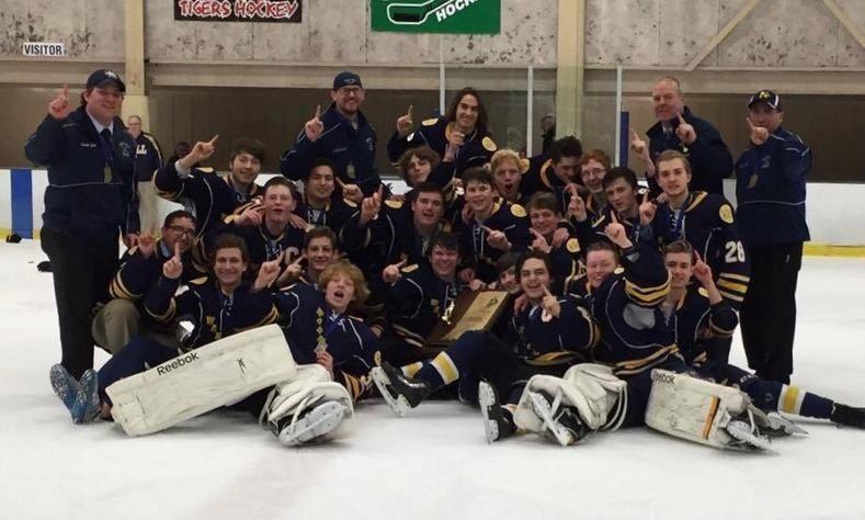 Bishop Noll High School - Boys Varsity Ice Hockey