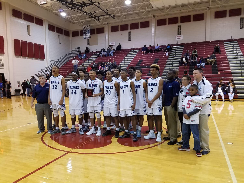 Hunter Huss High School - Hunter Huss Boys' Varsity Basketball