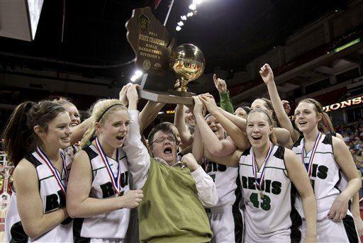 Regis High School - Girls' Varsity Basketball