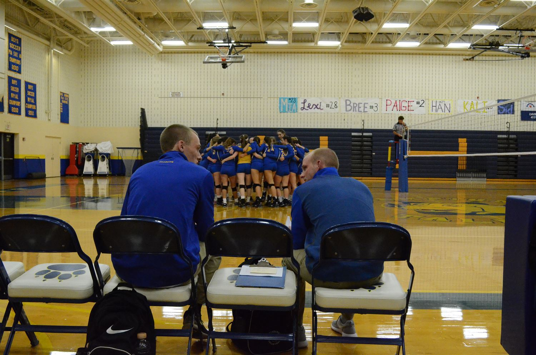 Hampton High School - Girls' Varsity Volleyball