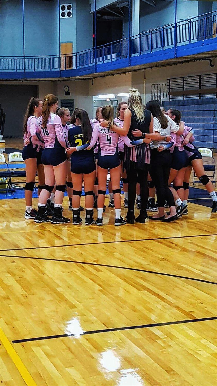 South Lyon High School - Girls' Varsity Volleyball