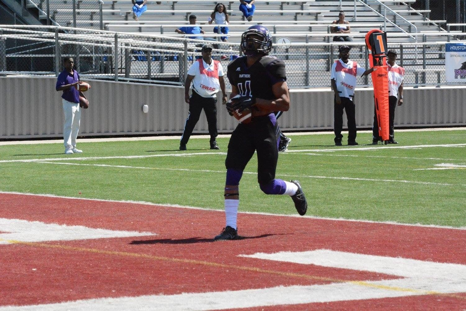 cheaper 6353e 0fa27 KhaDarel Hodge - Hudl